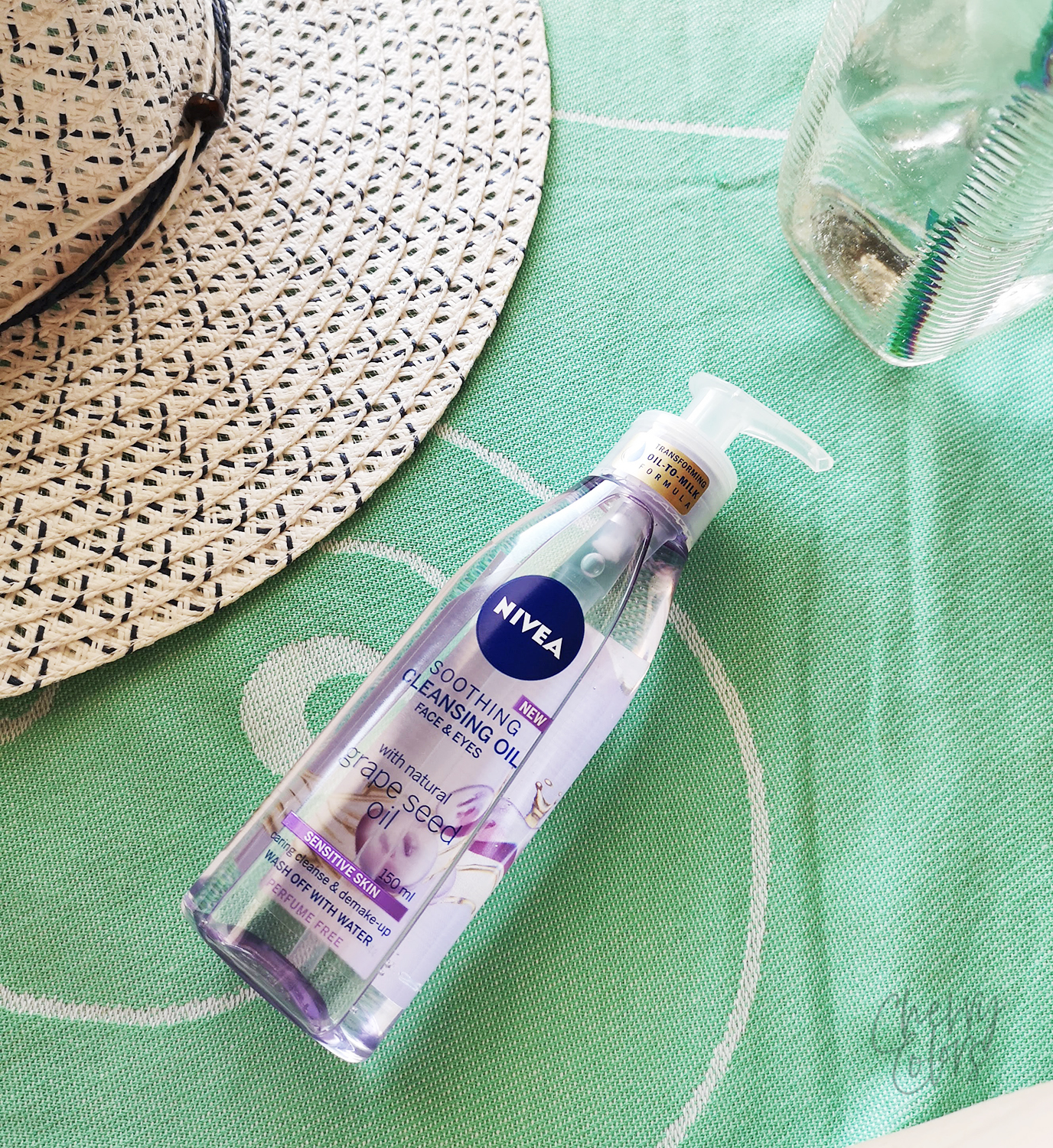 Nivea Grape Seed Soothing Cleansing Oil