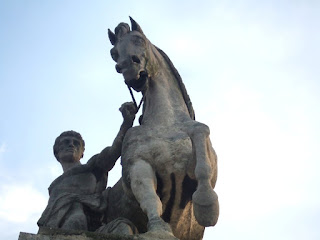 statue of man on a horse; taken by Benjamin Miller; source:freestockphotos.biz