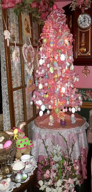 DEBBIE-DABBLE BLOG: Pink Easter Tree and Vignettes in the Dining ...