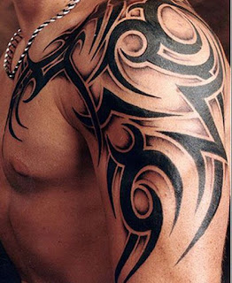 tato tribal simple