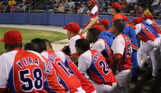 Entraron 10 y salieron otros tantos del roster provisional del equipo nacional de béisbol cubano