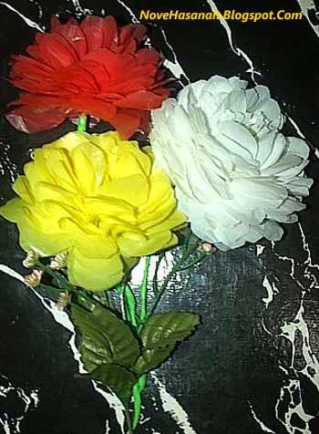langkah-langkah membuat bunga dari kantong plastik bekas