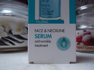 intenzívne vyplňujúce a protivráskové sérum s kyselinou hyalurónovou na tvár, krk a dekolt