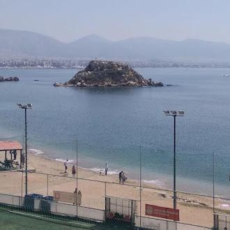 Η Νησίδα Κουμουνδούρου στο Πειραιά ή παλαιότερα λεγόμενη Σταλίδα