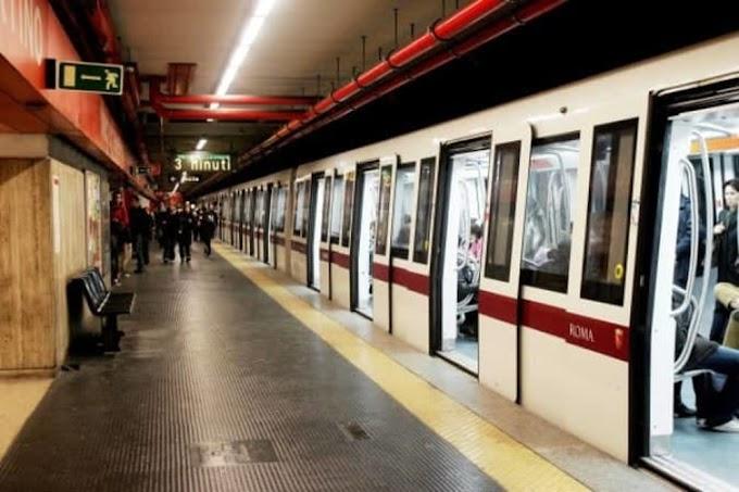 Metro A, morto un uomo dopo malore su un treno a Ponte Lungo
