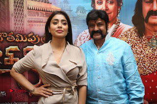 Shriya Saran Nandamuri Balakrishna at Gautamiputra Satakarni Team Press Meet Stills  0208.JPG