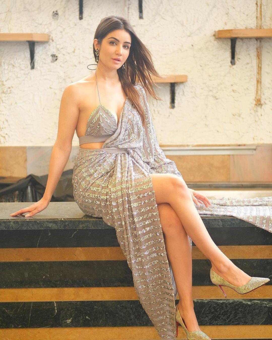 Amy Aela gorgeous Actress Wallpapers DP