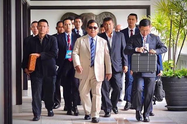 Mengapa Prabowo Jadi 'Rebutan' AS-China?