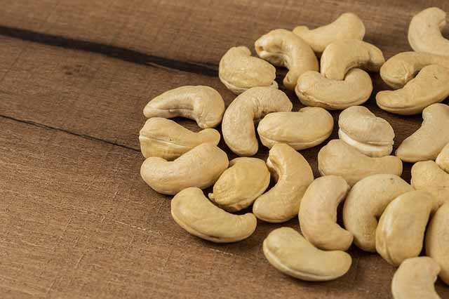هل الكاجو مفيد لخفض نسبة الكوليسترول؟