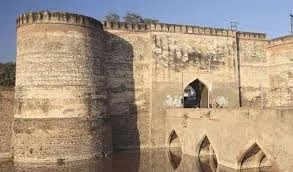 Lohagarh Fort in hindi