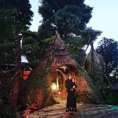 Selfie Park Taman Pule : Spot Foto Malam Hari