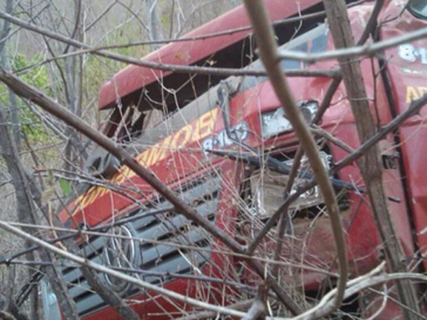 Bombeiro sofre traumatismo craniano em acidente em serra de Aratuba e está sedado