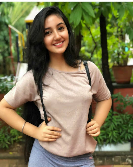 Beautiful Indian Girls HD Photos