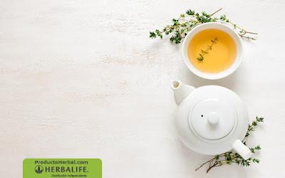 Licuado natural de té verde y piña