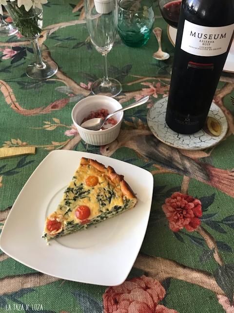 pastel de espinacas con vino Museum (Cigales)