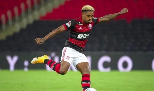 Flamengo recusa proposta de 3 milhões de dólares do Al Ettifaq por Vitinho e gera revolta da torcida na web