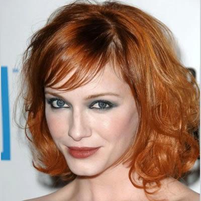 cabello rojo onlulado corto