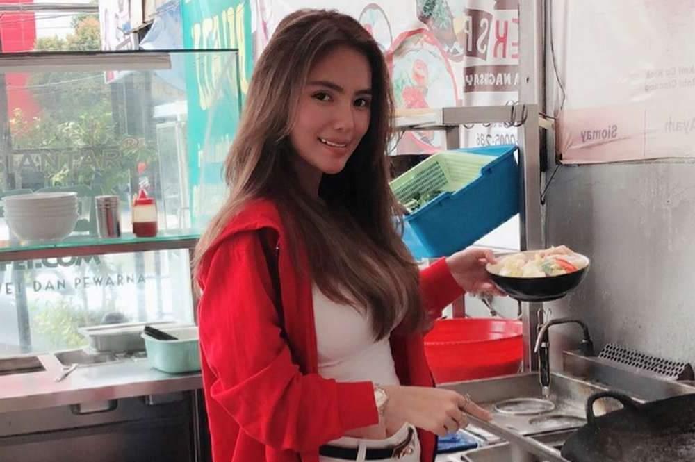 Penjual Makanan Cantik di Indonesia (njajan.com)