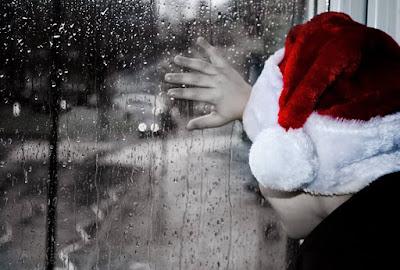 Δεν υπάρχει τίποτε πιο θλιβερό σ' αυτόν τον κόσμο από το να ξυπνάς τα Χριστούγεννα το πρωί και να μην είσαι παιδί. Erma Bombeck