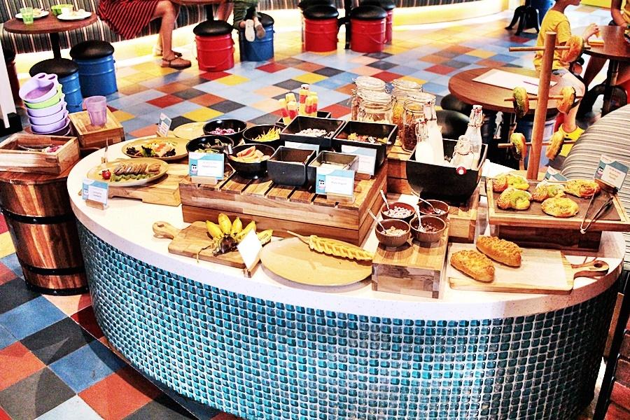 hotel buffet for kids