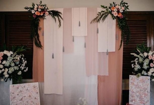 dekorasi photo booth pernikahan