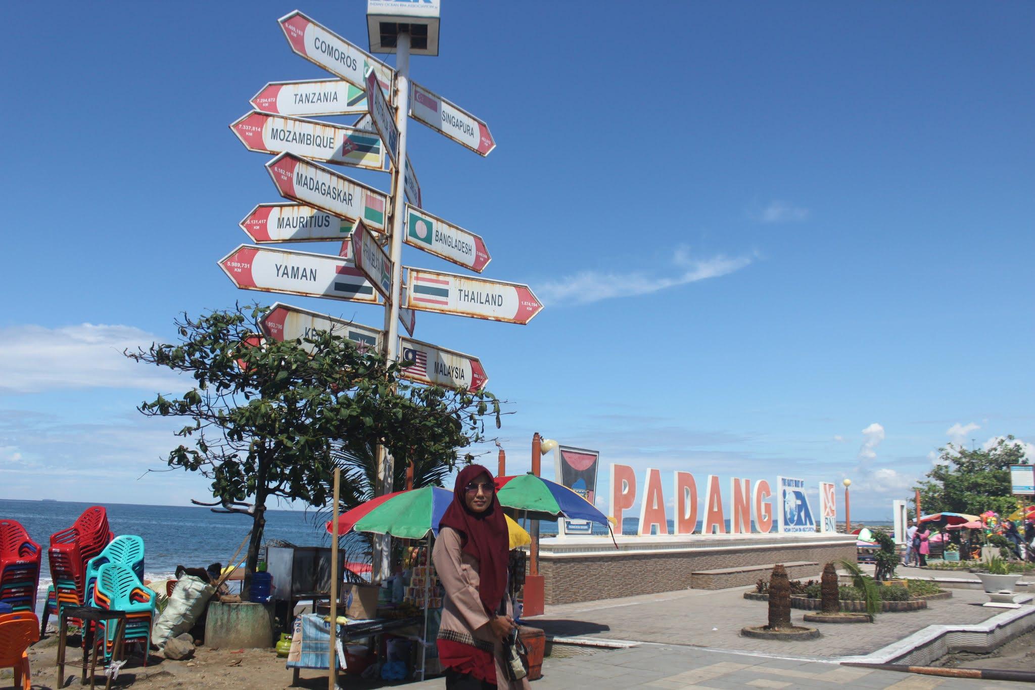 Taplau Pantai Padang