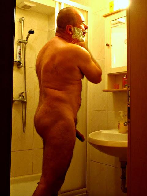 naked shower dad