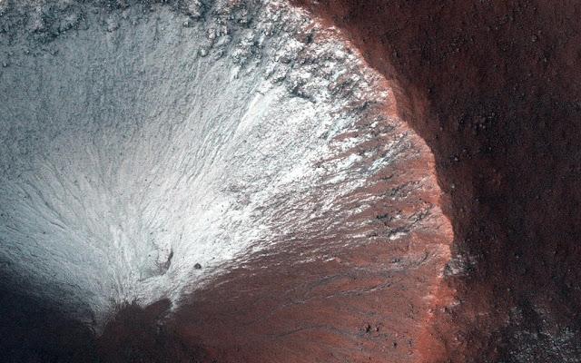 حفرة Sirenum -معهد كاليفورنيا للتكنولوجيا