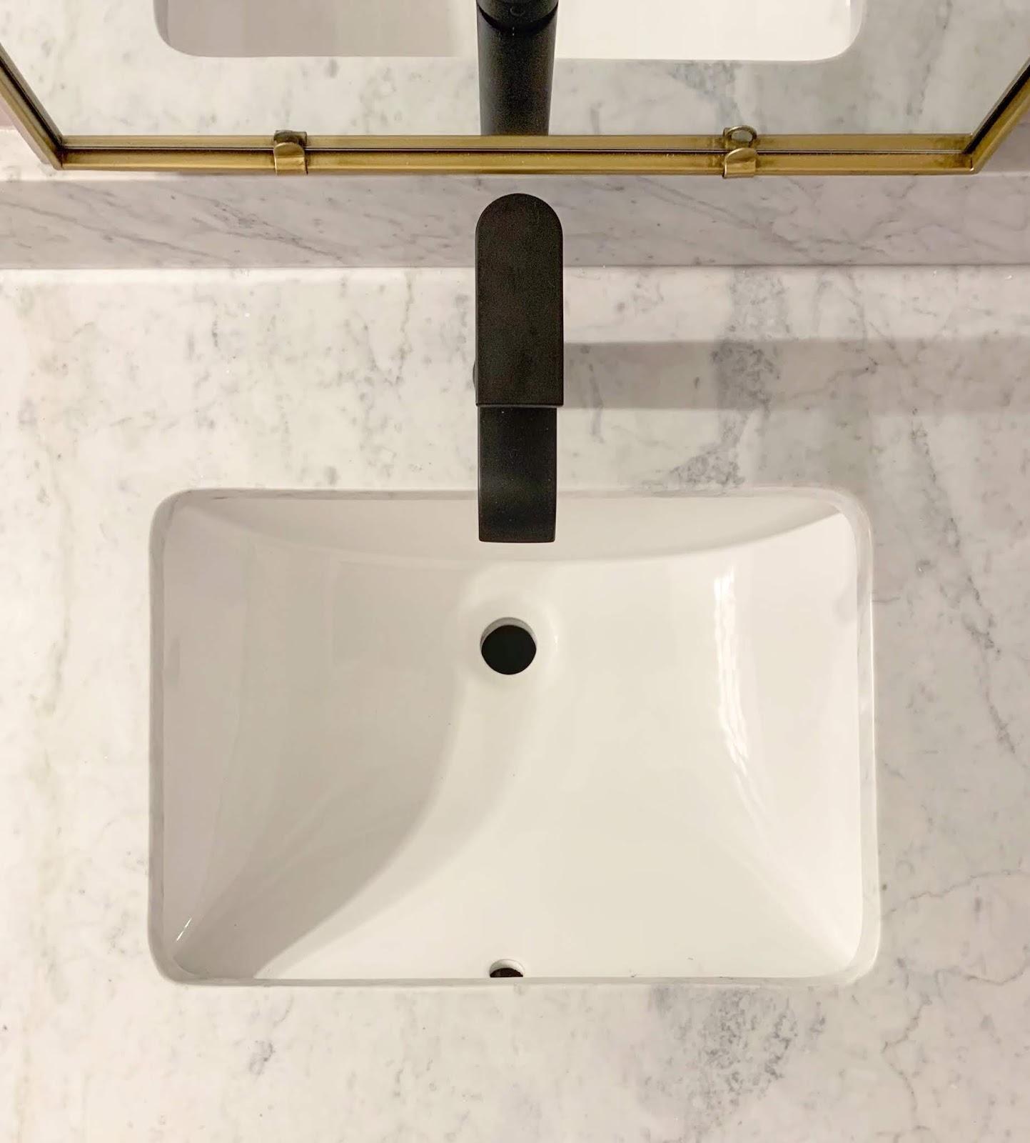 Primp and Pamper Bathroom Makeover sponsored by Signature Hardware and Build.com | House Homemade