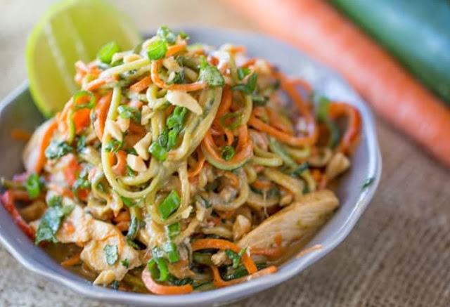 Peanut Chicken Zucchini Noodles #healthy #paleo