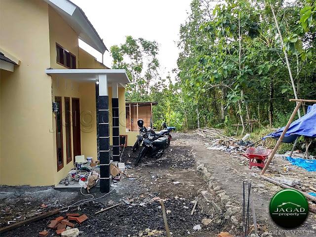 Rumah dekat Kampus UMBY jalan Wates