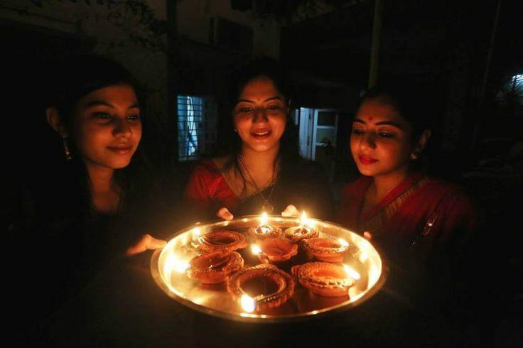 diwali pose for Sister