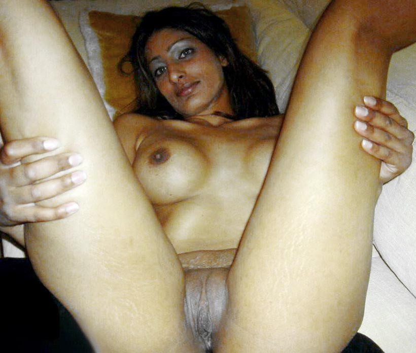 Beautiful aunty with dirty pussy piece