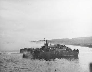 USN landing ships nearing the beach during the Nasugbu Landing of January 1945.