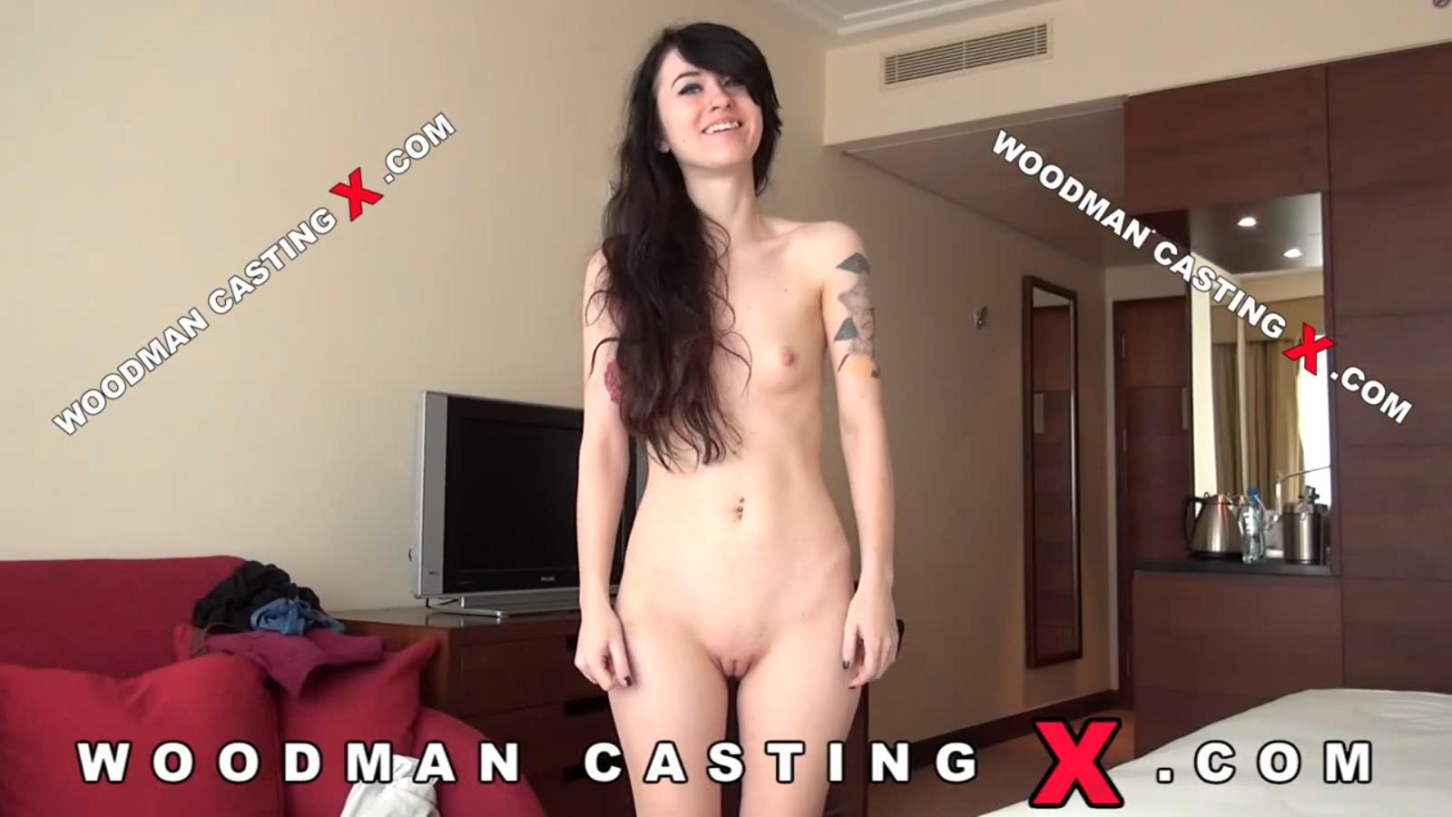 Victoria Puppy Misha Cross Hard Bed Woodman Casting