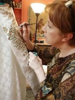 Marie-Sophie Boulanger dans son atelier de robes de mariée