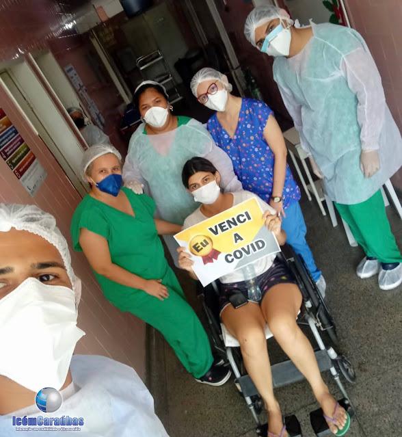 Caraubense é aplaudida pelos profissionais de saúde após vencer a Covid 19 no Hospital de Caraúbas