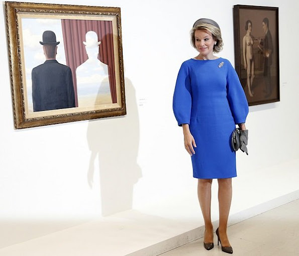 Queen Mathilde style new season dress coat trench coat diamond gold earrings jewellery wore blue dress
