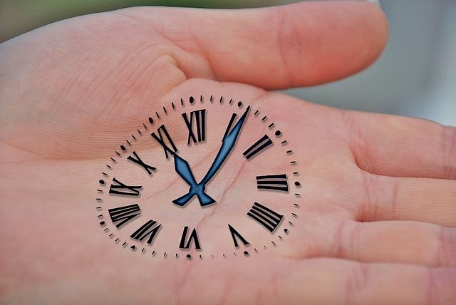 Como poner un Reloj casi humano en tu Blog