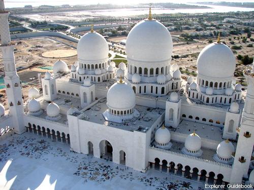 Sheikh Sayed Mosque Masjid paling terkenal terindah terbesar di dunia di Abu Dhabi