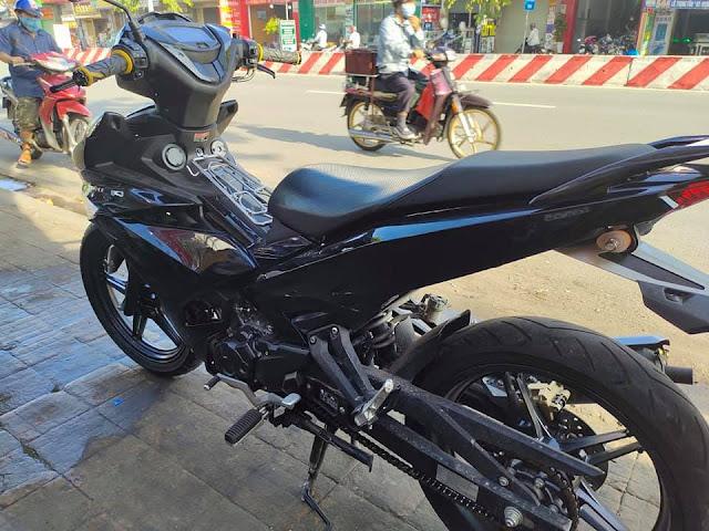 Mẫu sơn xe máy Exciter đen bóng cực đẹp