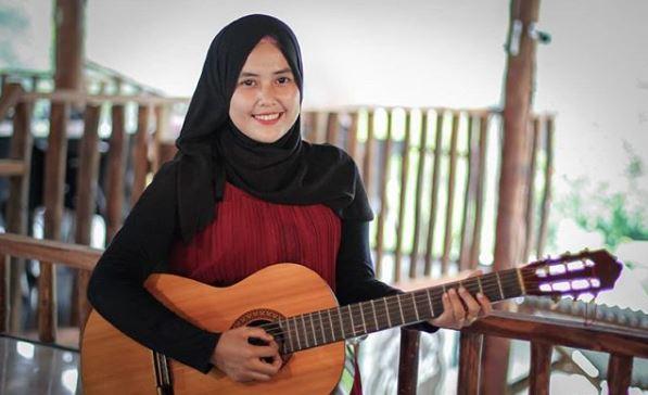 Jihar News, Maria, Gadis Nagan Raya Bangkitkan Youtuber Aceh Lewat Pantun