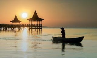 pemandangan yang eksotis dan menawan pantai bentar, probolinggo