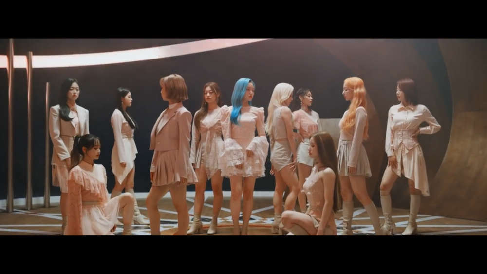 LOONA Shines Like a Star in the 'Star' MV