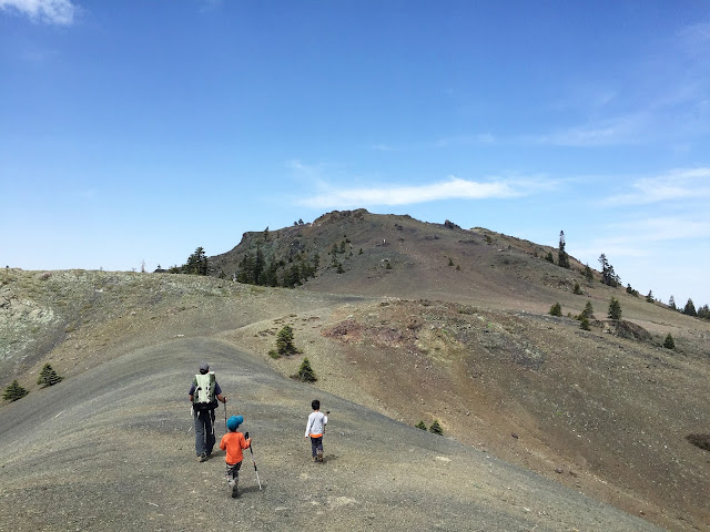 Hiking to Snow Mountain East Summit