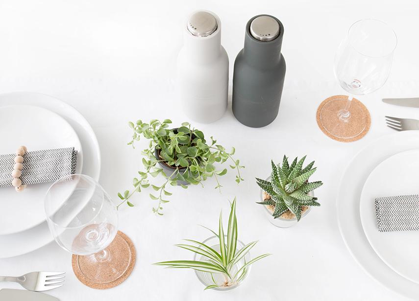 Tischdekoration mit Pflanzen