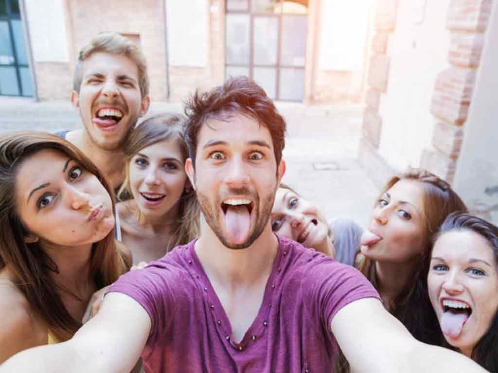 selfie-tongue