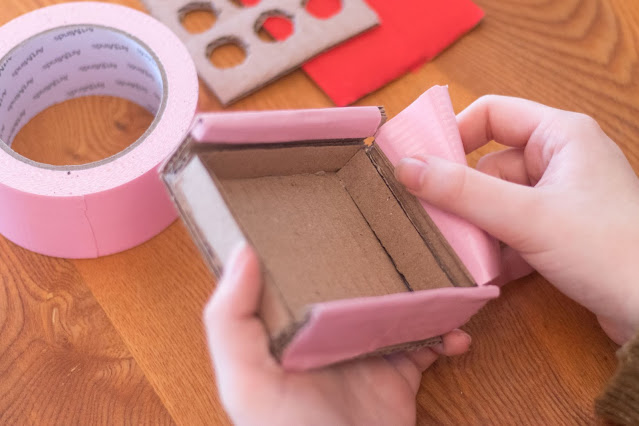 How to Make a Valentine's Tic-Tac-Toe Set