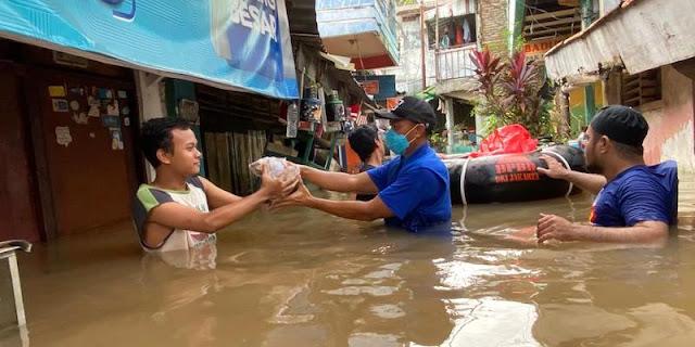 Demokrat Memilih Beri Solusi Nyata Untuk Warga Korban Banjir