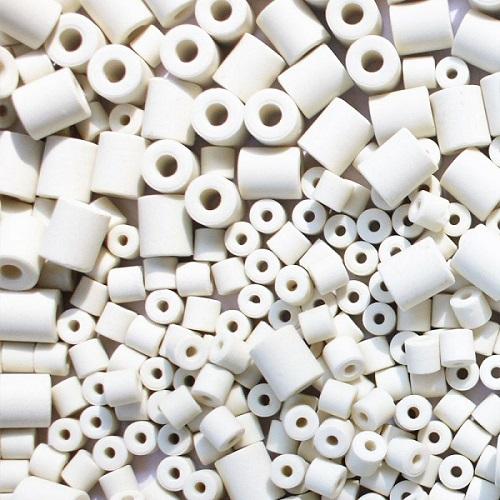 Pros and Cons of Ceramic Noodles in Aquarium Filter